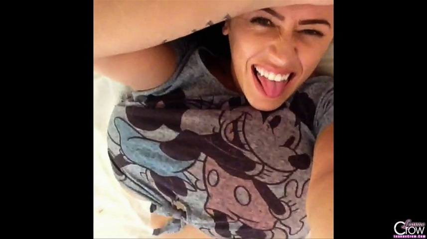Leanne crow  leanne crow  diary video 1  1 minute  hey guys and